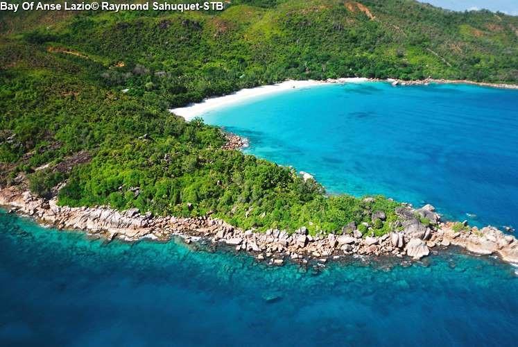 Bay Of Anse Lazio© Raymond Sahuquet STB