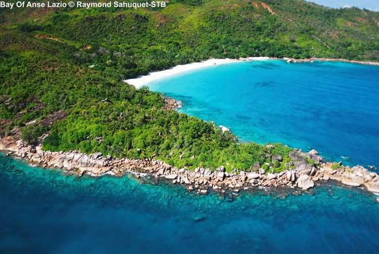 Bay Of Anse Lazio © Raymond Sahuquet STB