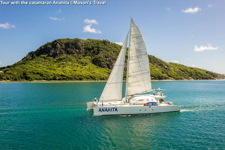 Tour With The Catamaran Anahita ©Masons Travel