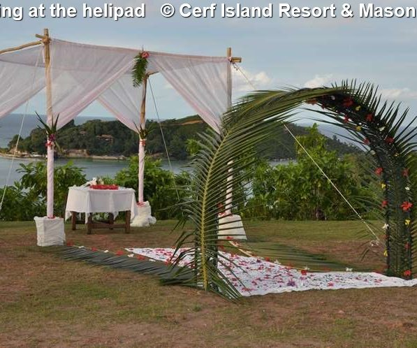 Wedding At The Helipad © Cerf Island Resort & Mason's Travel