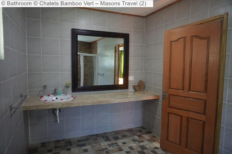 Bathroom © Chalets Bamboo Vert – Masons Travel