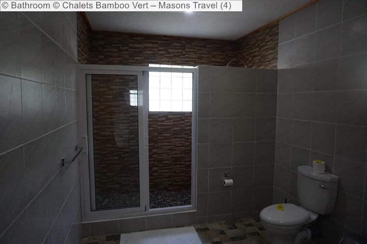 Bathroom © Chalets Bamboo Vert – Masons Travel (