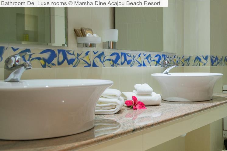 Bathroom De Luxe Rooms © Marsha Dine Acajou Beach Resort