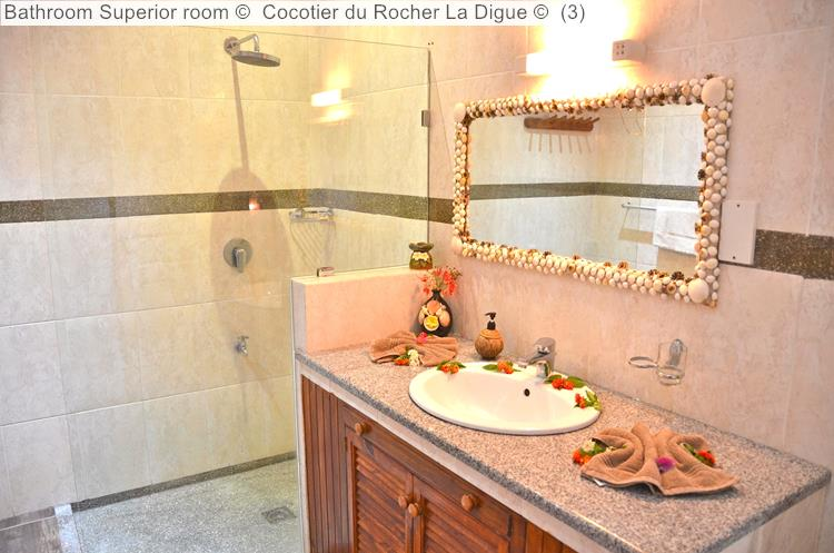 Bathroom Superior Room © Cocotier Du Rocher La Digue ©