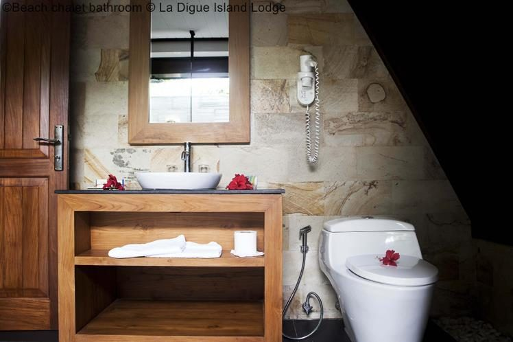 Beach Chalet Bathroom © La Digue Island Lodge