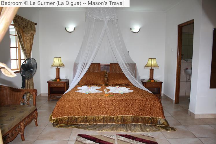 Bedroom of Le Surmer Chalets (La Digue)