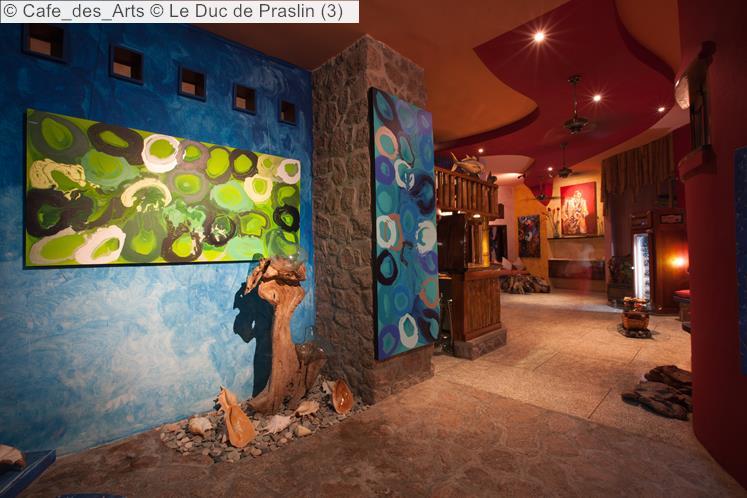 Cafe Des Arts © Le Duc De Praslin