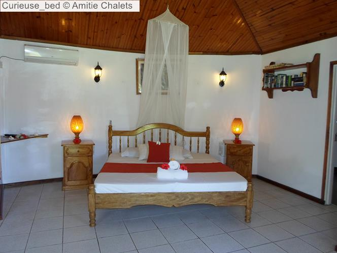 Curieuse Bed © Amitie Chalets