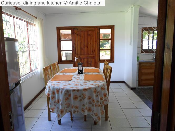 Curieuse dining and kitchen Amitie Chalets