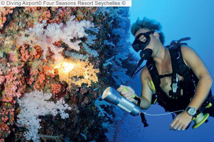Diving Airport© Four Seasons Resort Seychelles ©