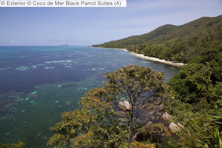 Exterior Coco de Mer Black Parrot Suites