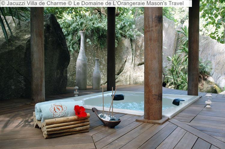 Jacuzzi Villa De Charme © Le Domaine De L'Orangeraie