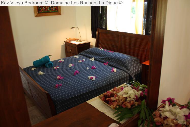 Kaz Vileya Bedroom © Domaine Les Rochers La Digue ©