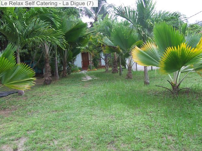 Garden of Le Relax Self Catering (La Digue)