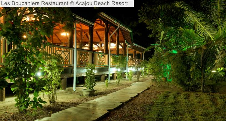 Les Boucaniers Restaurant © Acajou Beach Resort