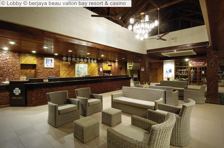 Lobby © Berjaya Beau Vallon Bay Resort & Casino
