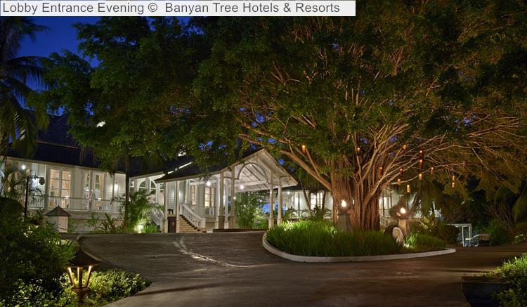 Lobby Entrance Evening Banyan Tree Hotels Resorts Seychelles