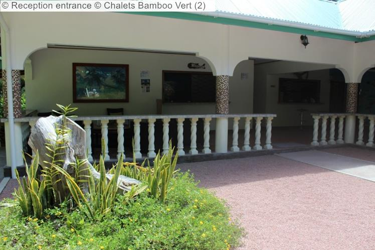 Reception Entrance © Chalets Bamboo Vert