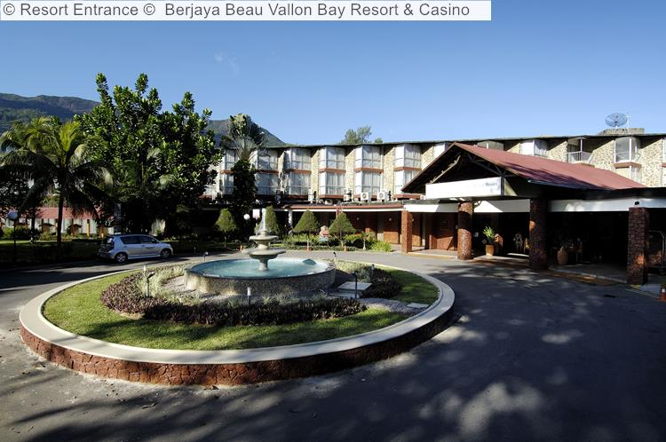 Resort Entrance © Berjaya Beau Vallon Bay Resort & Casino