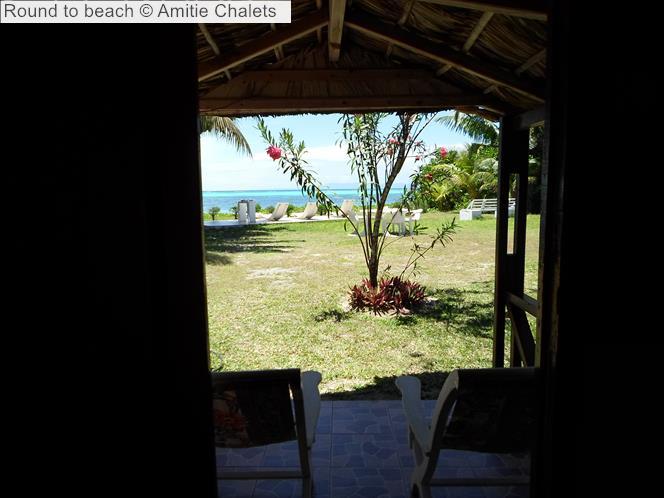 Round to beach Amitie Chalets