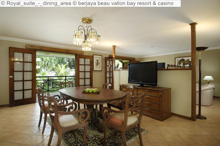 Royal Suite Dining Area © Berjaya Beau Vallon Bay Resort & Casino