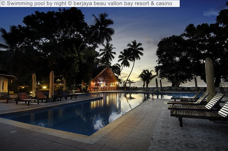 Swimming Pool By Night © Berjaya Beau Vallon Bay Resort & Casino