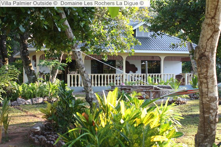 Villa Palmier Outside © Domaine Les Rochers La Digue ©