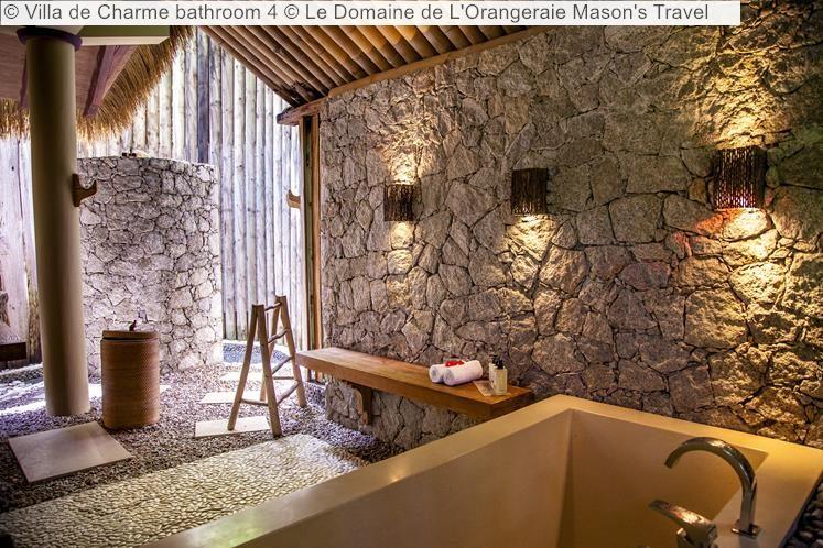 Villa de Charme bathroom Le Domaine de LOrangeraie