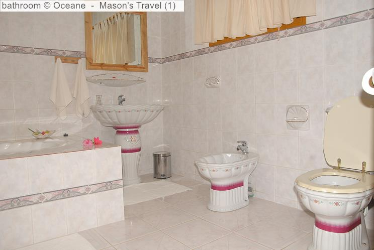 Bathroom Oceane self-catering (La Digue, Seychelles)