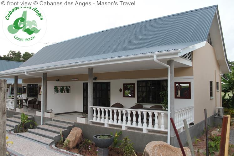 Front View © Cabanes Des Anges Mason's Travel
