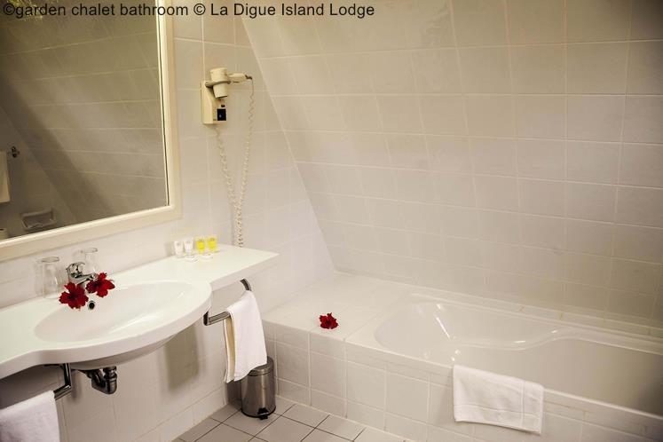 Garden Chalet Bathroom © La Digue Island Lodge