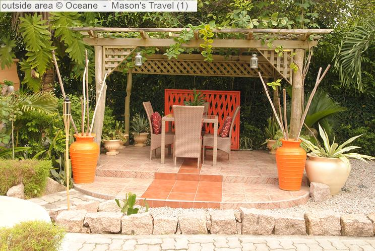 Outside area Oceane self-catering (La Digue, Seychelles)