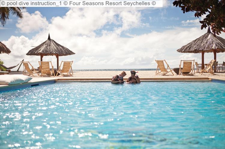 Pool Dive Instruction 1 © Four Seasons Resort Seychelles ©