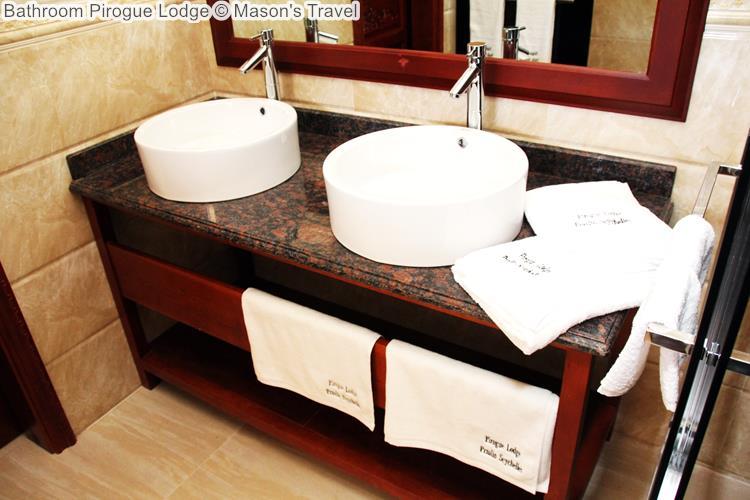 Bathroom Pirogue Lodge