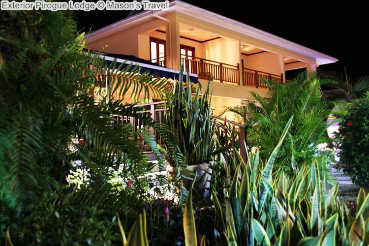 Exterior Pirogue Lodge