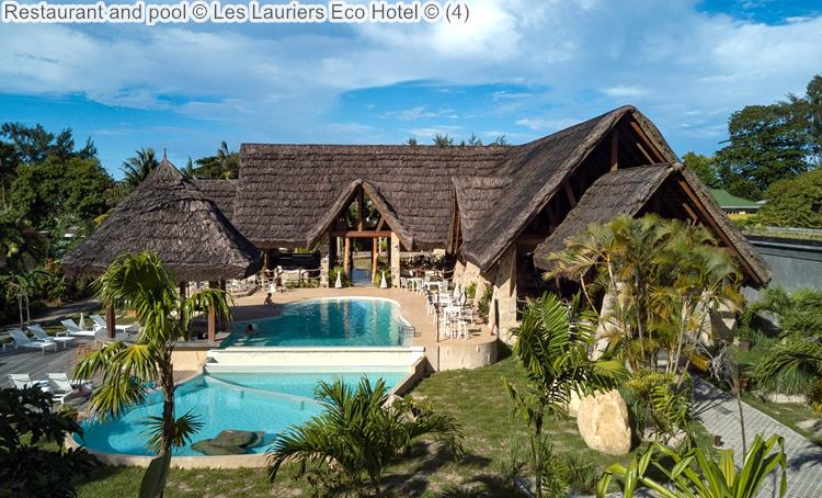 Restaurant And Pool © Les Lauriers Eco Hotel