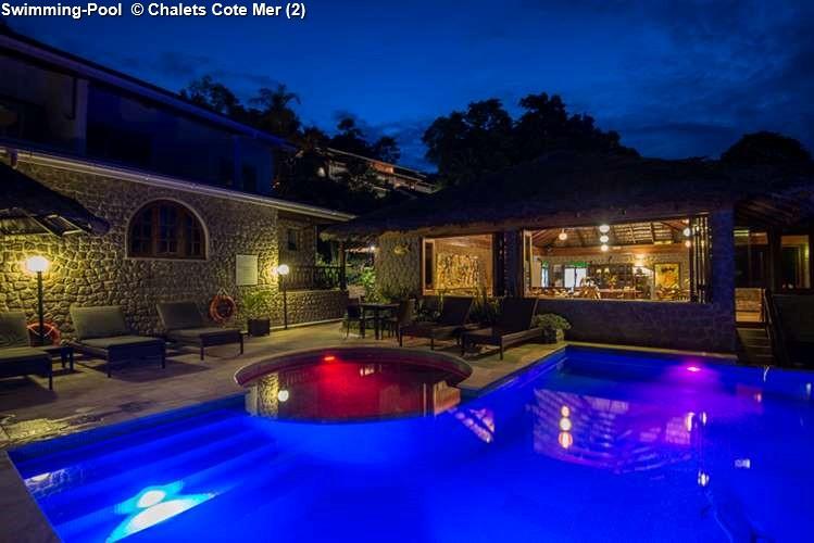Swimming Pool © Chalets Cote Mer