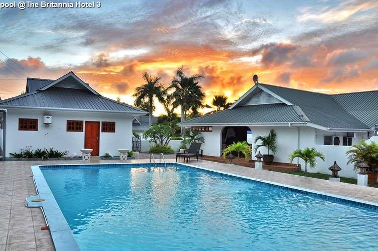 pool @The Britannia Hotel