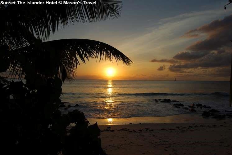zonsondergang bijThe Islander Hotel