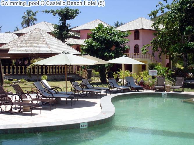 Swimming pool Castello Beach Hotel