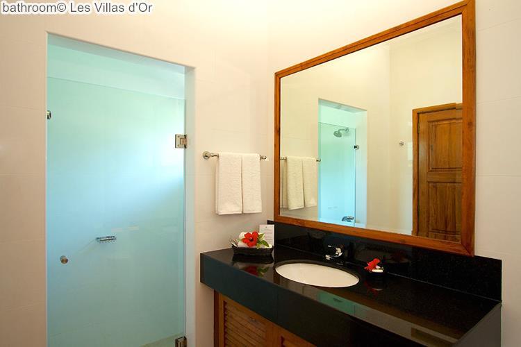 bathroom Les Villas dOr