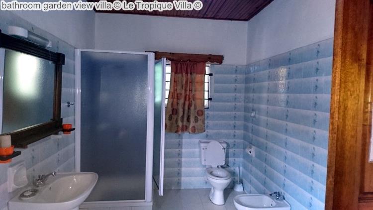 bathroom garden view villa Le Tropique Villa