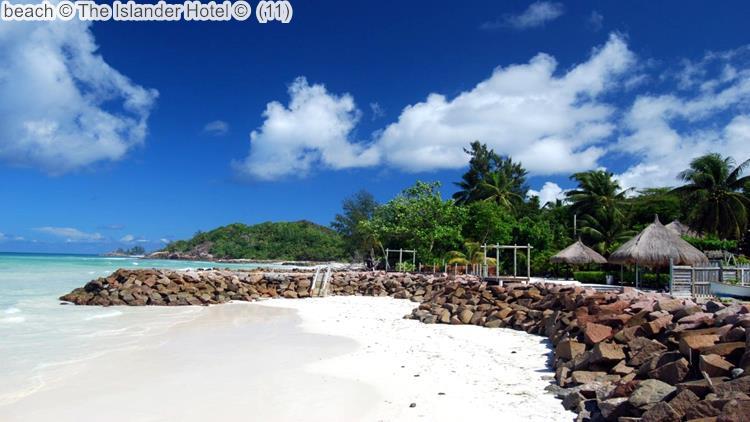 Beach © The Islander Hotel ©