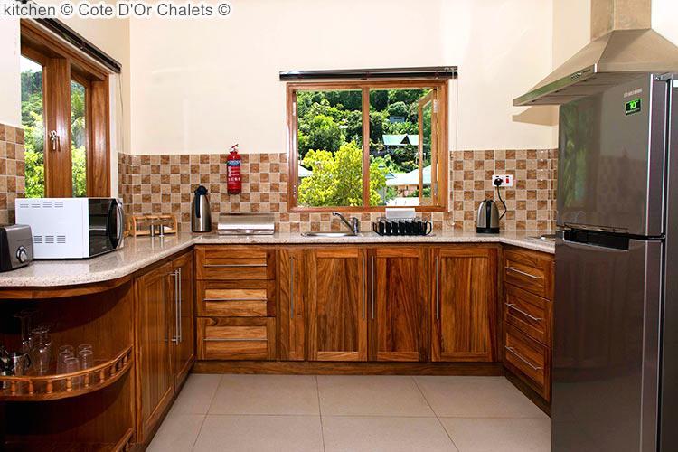Kitchen © Cote D'Or Chalets ©