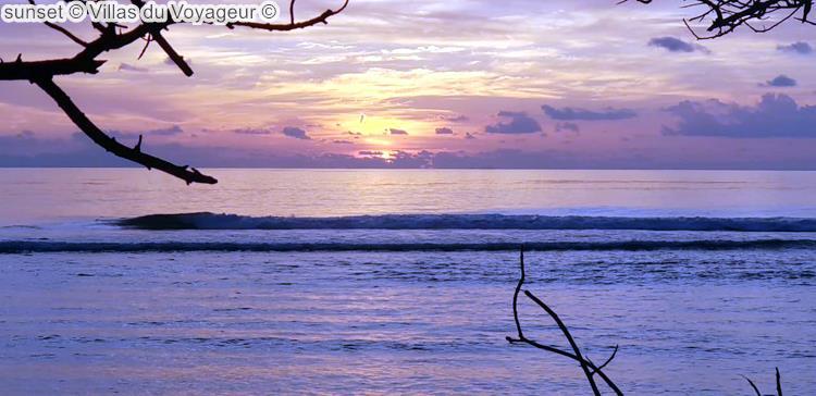 zonsondergang bijVillas du Voyageur