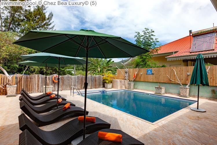 Swimming Pool © Chez Bea Luxury©