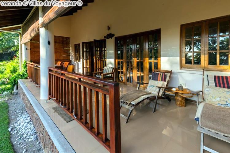 veranda Villas du Voyageur