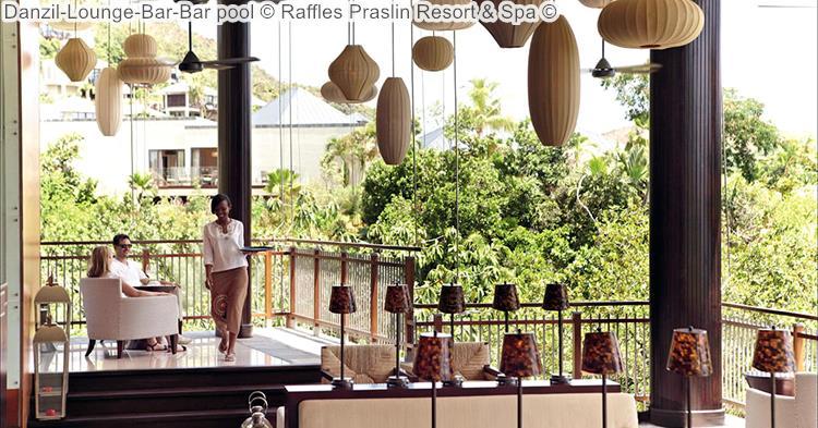 Danzil Lounge Bar Bar Pool © Raffles Praslin Resort & Spa ©