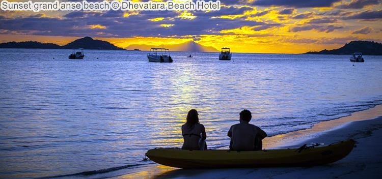zonsondergang bijgrand anse beach Dhevatara Beach Hotel