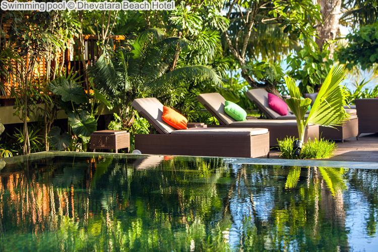 Swimming pool Dhevatara Beach Hotel